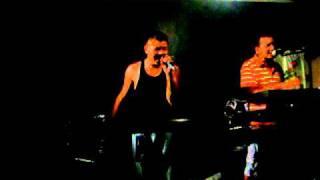 David y su grupo Aries tocando cansion de corazon gitano...