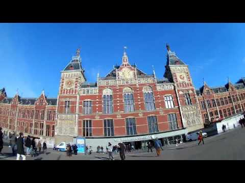 Walking in Amsterdam with a Rollei 425