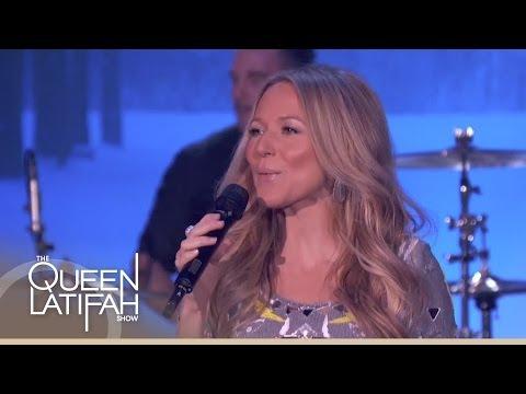 "Jewel and Queen Latifah Sing ""Let It Snow"""