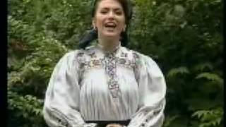 Lavinia Goste - Bine-mi sade ca-s codreanca - Libris Cultural Brasov