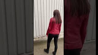 Video: Varm rød dame skindjakke - Lammeskind