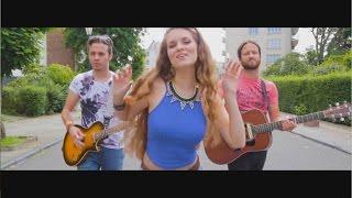 Laura Crowe & Him - Mowgli's Road (Marina & The Diamonds Cover)