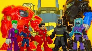 SPIDERMAN & IRON MAN need help from BATMAN ! BATBOT vs HULKBUSTER superhero toys