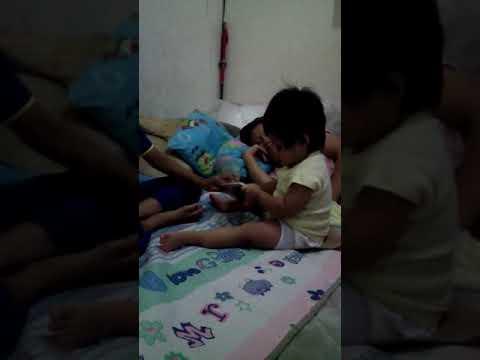 Ibu sexy main ituan dengan anak kecil [3:45x202p]