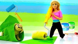 Барби и Кен клеят обои. Новые Видео с куклами
