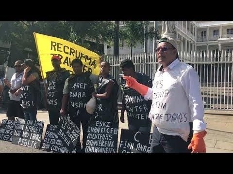 Projet de Tank Farm: Des habitants de Bain-des-Dames manifestent à nouveau