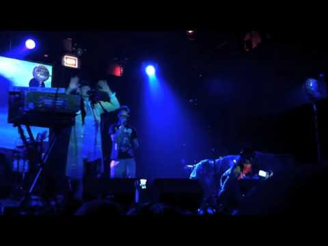 CocoRosie - Rainbow Warriors (live)