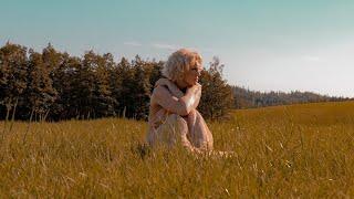 Laura Voutilainen - Kesäkuun 4. (Official Music Video)