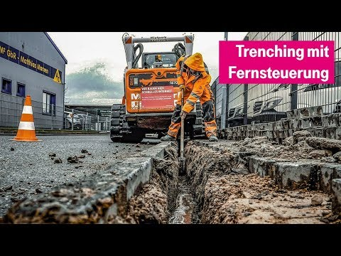 Social Media Post: Trenching in Altenholz: Glasfaser verlegen mit Fernsteuerung