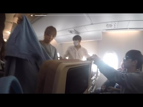 KPOP IDOLS WERE ON THE SAME PLANE AS ME! Korea Trip Pt. 1: Arrival