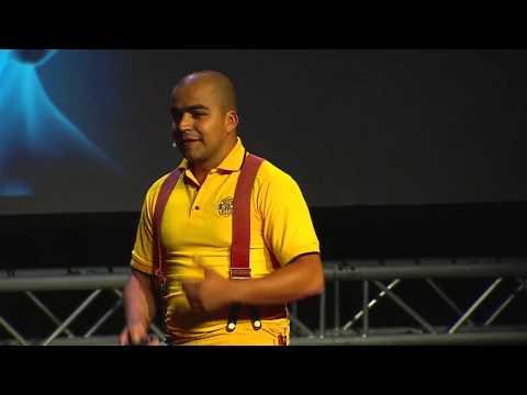 La fábrica de incendios: Oscar Elías Portuguez at TEDxPuraVida 2013