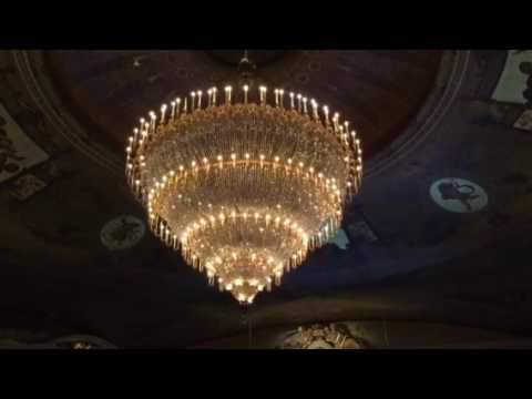 Moving Chandelier at Academy of Music 4Mar17 - YouTube