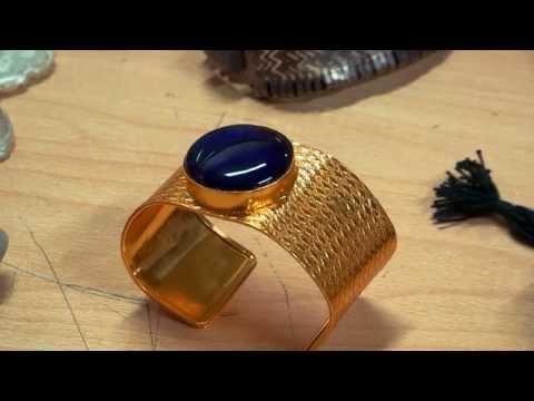 Dwarka Jewels: Modern Jewelry and Semi-Precious Stones