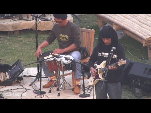 Bintang Indrianto - Kendang Kribow @ Jazz Gunung 2014 [HD]