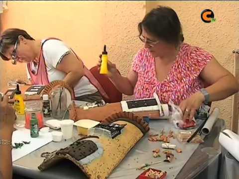 Curso de decoraci n de tejas de las amas de casa youtube - Adornos de casa ...
