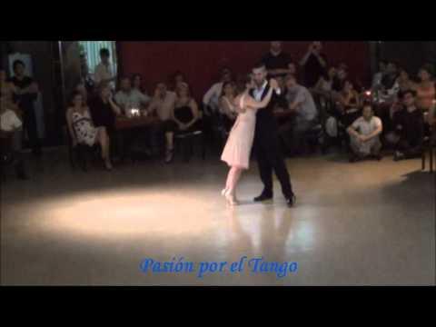 INES MUZZOPAPPA y DANTE SANCHEZ Bailando el Tango AMURADO en SOHO TANGO