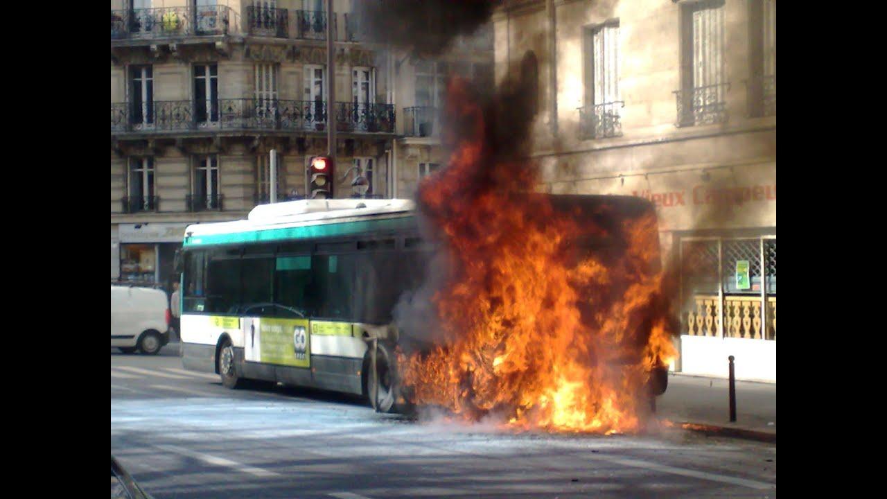 Bus ratp en feu paris youtube - Bus 351 paris ...