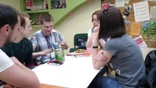Студент готовят презентацию на английском языке