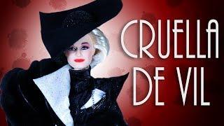 Cruella De Vil Doll Review - Power in Pinstripes [ 101 DALMATIANS ]