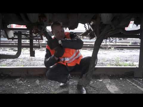 Действия локомотивной бригады при падении давления в тормозной магистрали пассажирского поезда.