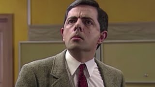 Arriving at the Launderette | Mr. Bean Official