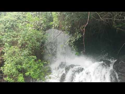 Le déversoir du réservoir d'eau du Gol les Hauts