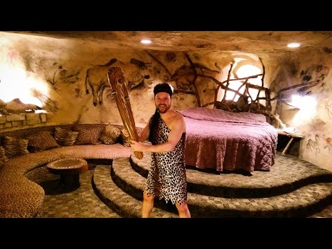 CAVE THEMED FANTASY SUITE - Radisson Hotel Valley Forge - King of Prussia, PA