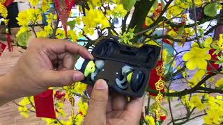 Video 4 tai nghe true wireless đang hot: AirPods, Soundsport Free, WF-1000X và Beoplay E8. Chọn cái nào? download MP3, 3GP, MP4, WEBM, AVI, FLV Mei 2018