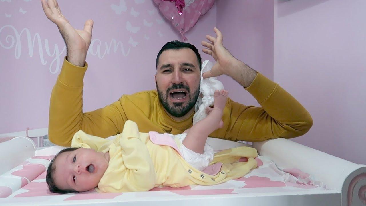 لما الام تترك بيبي عمرها شهر مع ابوها اول مرة😅🤷🏻♀️ (الله ستر)