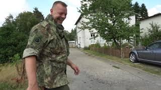 GÜNNI Vorsicht: SCHLANGE! | Besorgungstour für Combat Survival