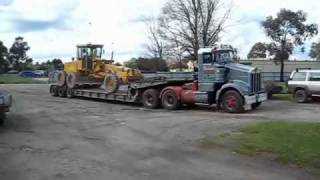 Download Video Folding Gooseneck Low Loader MP3 3GP MP4