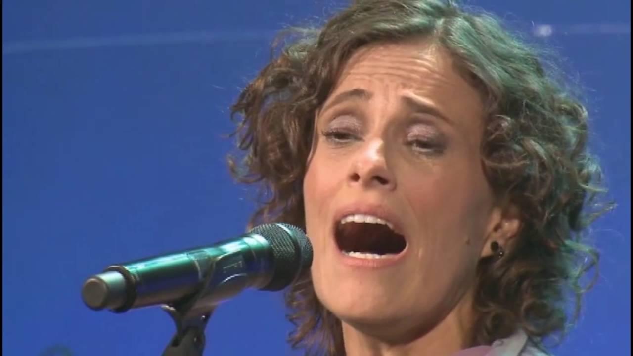 Zélia Duncan -  Pelo Sabor do Gesto Em Cena - DVD Completo