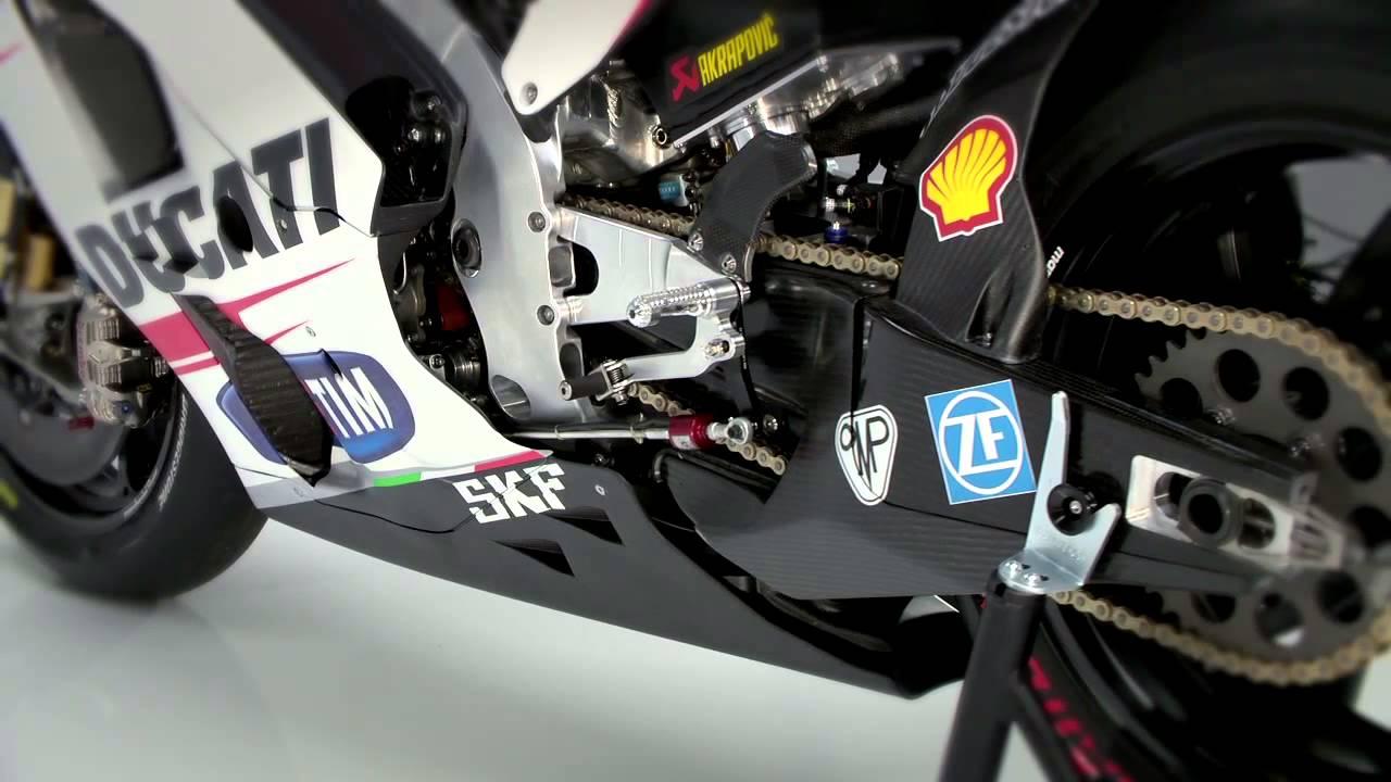 画像: Ducati Team MotoGP: Andrea Iannone & Andrea Dovizioso talk about the 2015 approaching season. youtu.be