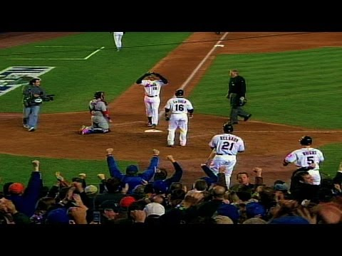2006 NLCS Gm1: Beltran's two-run blast breaks tie