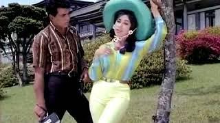 Milti hai zindgi mein mohabbat kabhi kabhi  ANKHEN 1968
