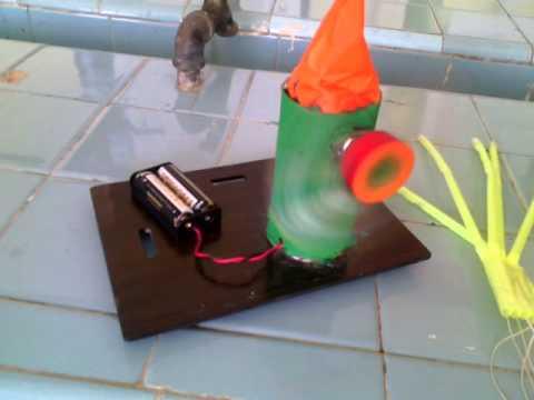 Molino de viento el ctrico casero youtube for Como hacer molinos de viento para el jardin
