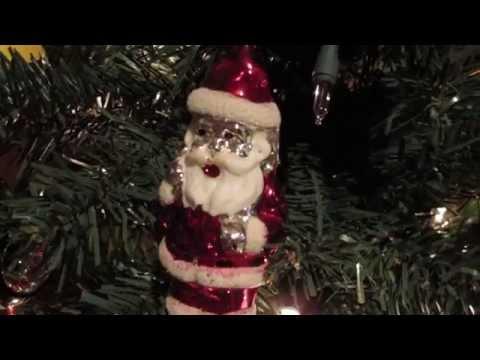 VINTAGE CHRISTMAS TREE WITH VINATGE ORNAMENTS 2014