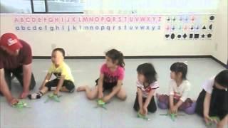 川崎子供英語教室 After School Jumping frog Craft video