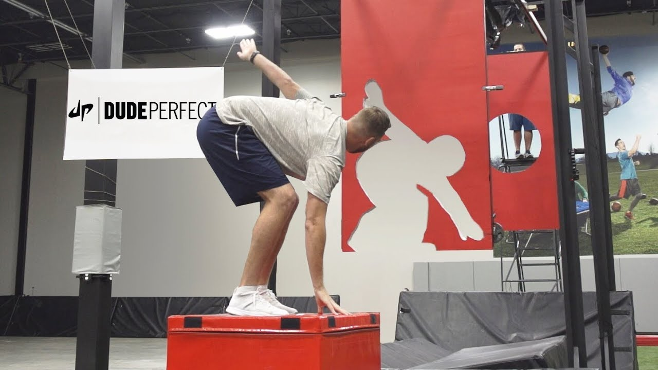 freeze-frame-football-battle-dude-perfect