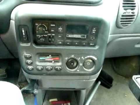 2000 Chrysler Grand Voyager Aftermarket Radio Installation - YouTube