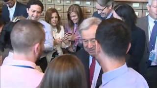 Глава ООН встретился с сотрудниками ДОИ
