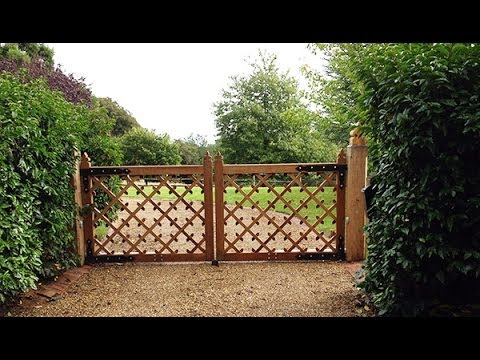 Electric mock tudor gates youtube Tudor style fence