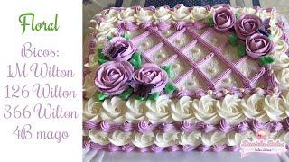 Confeitando bolo c/ flores