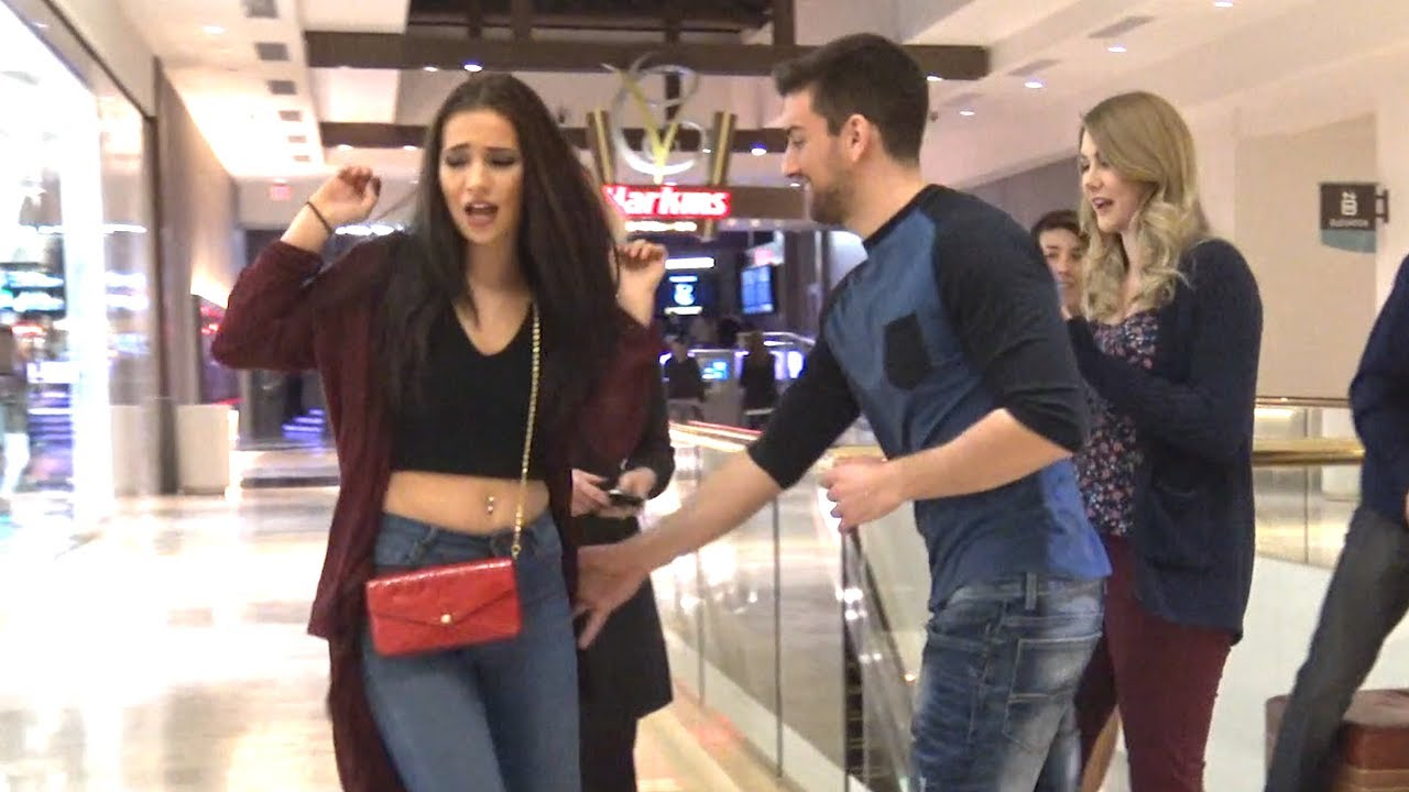 Sexual harassment in public guys vs girls shopping