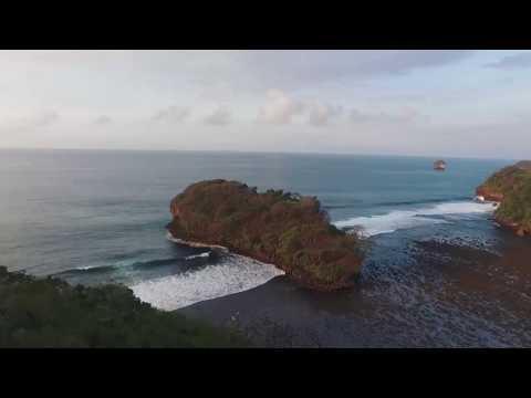 AERIAL VIDEO PANTAI TELUK  ASMARA - MALANG