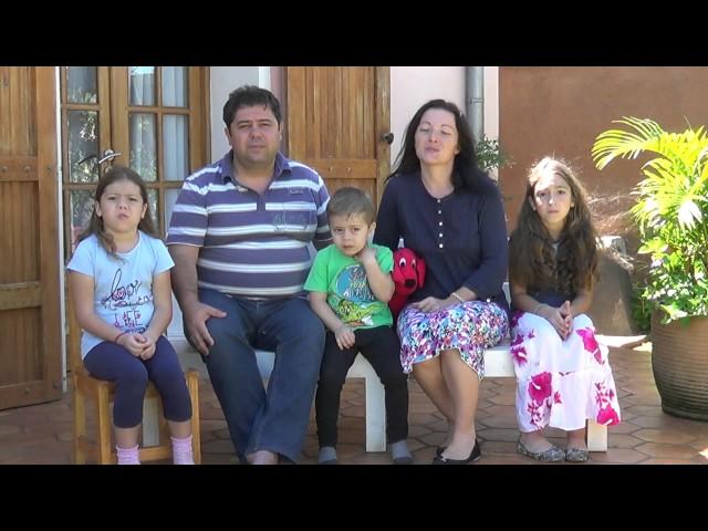 Mesaj de Paste în anul 2017 - familia Saitis - din Madagascar