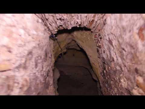 URBEX Mansion Abandonada Con Pasillos subterráneos! (Secta...)