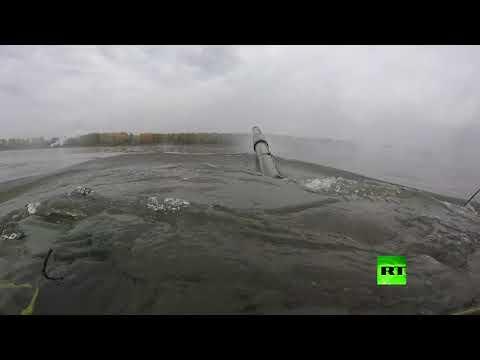 شاهد.. دبابات تعبر نهرا أثناء مناروات -المركز-2019- العسكرية في روسيا  - نشر قبل 3 ساعة