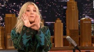 ¡¡¡Kaley Cuoco Sings The Big Bang Theory Theme Song!!!
