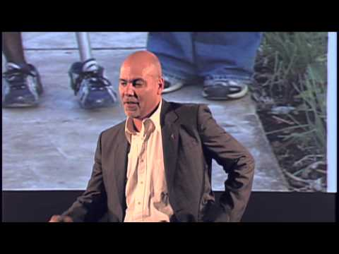 The deception of technology | Roger Gonzalez | TEDxElPaso